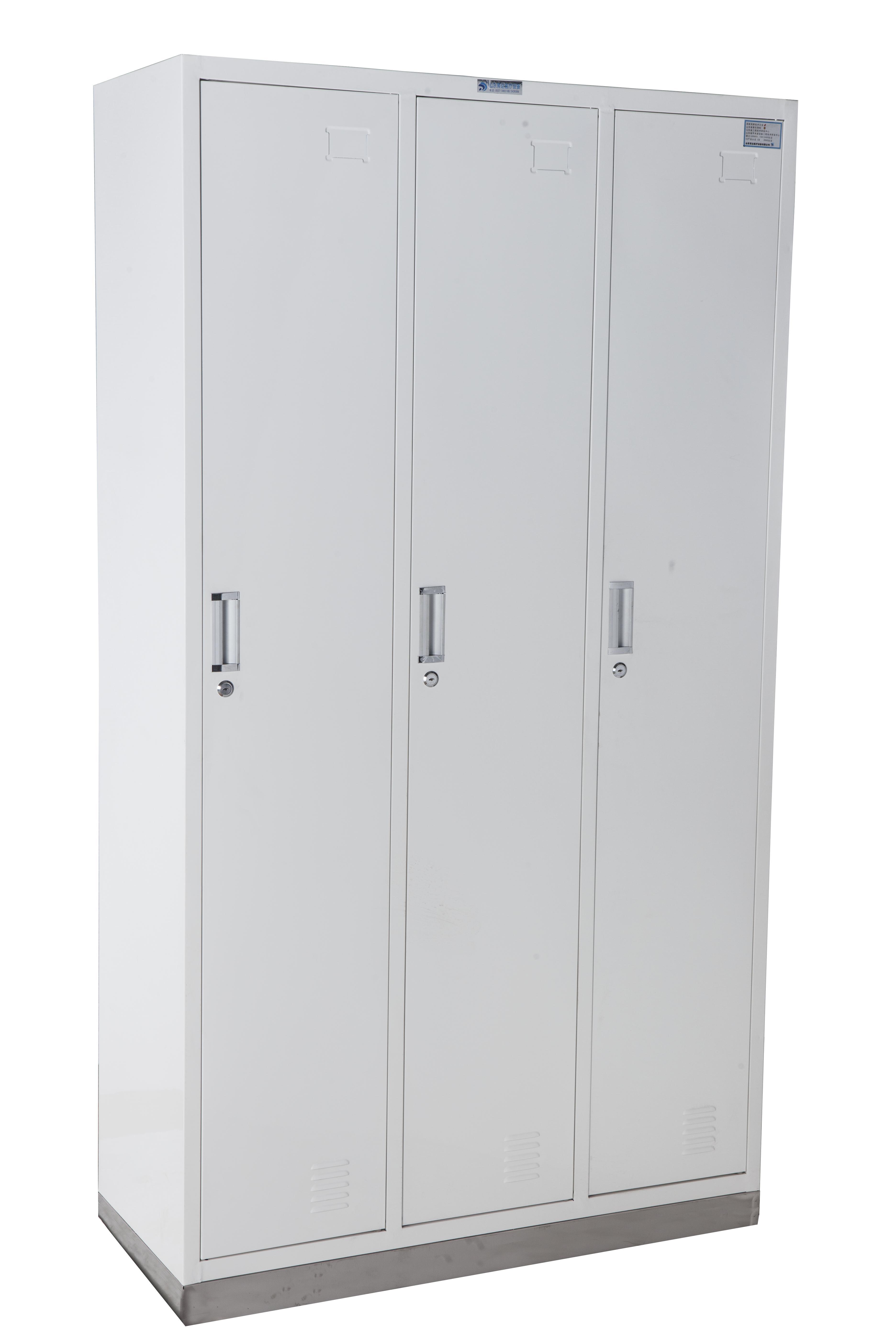C49  不锈钢座三门更衣柜
